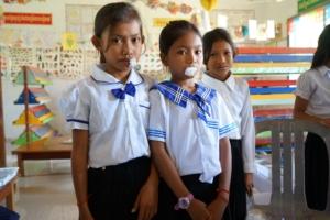 barn i Kambodja